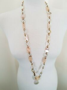 """Beautiful Vintage Mother of Pearl Necklace In Very Nice condition 40"""" long"""
