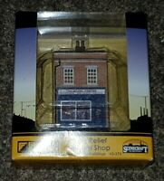 N Gauge Graham Farish 42-275 Scenecraft Low Relief Model Shop (Pre-Built)