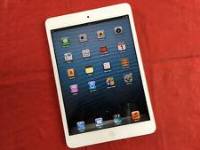 Apple iPad mini 1st Gen. 16GB, Wi-Fi, 7.9in - White & Silver - Ref J217