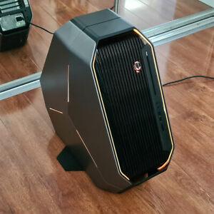 Alienware Area 51 R2 CUSTOM i9-9960X 16 CORE, GTX 1080 ti, 64GB, 2TB NVME SSD