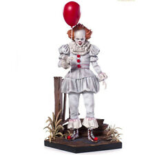 IT 2017 - Pennywise 1/10 Deluxe Art Polystone Statue Iron Studios
