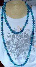 Collana donna lunga, pietre dure e vetro turchesi, diverse  tonalità di blu.