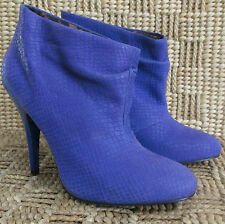 EUC Betsey Johnson Blue Faux Croc Gllaam Ankle Slouched Booties size 6.5M