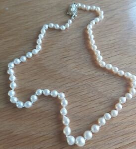 VINTAGE CULTURED PEARL NECKLACE 9ct GOLD CLASP HALLMARKED 1978