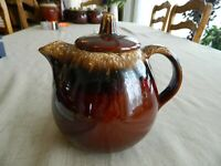 Hull Pottery Brown Drip Teapot 32oz.                           tote