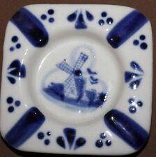 Vintage hand made Holland Delft ceramic ash tray