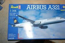 REVELL 1:144 AIRBUS A321 LUFTHANSA    04236