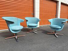 3 Steelcase I2i Lounge Chairs