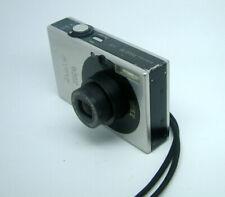 Canon Ixus 70 - 7.1Mega pixel zoom Compact Digital Camera - Silver/Graphite