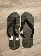 Old Navy Camo Flip Flop size 12/13