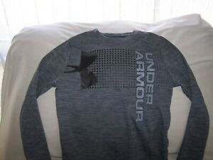Boys Under Armour Gray TEXTURED Long Sleeve BIG LOGO Shirt XSmall LOOSE FIT
