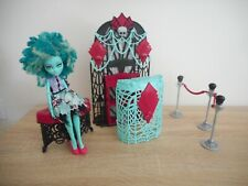 Monster High premiere party + honey swamp