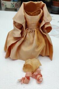 vêtements poupée Peynet sourboum  année 60