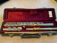 Jupiter CF-50 Plateau Flute With Gold-Plated Lip Plate - Includes Hard Case