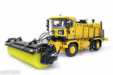 Oshkosh MB 4600 Airport Sweeper Truck - 1/50 - TWH...