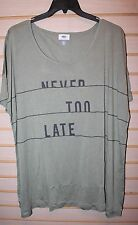 NEW WOMENS PLUS SIZE 3X OLD NAVY OLIVE GREEN NEVER TOO LATE MOTIVATION SHIRT TOP