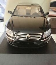 Vw Phearon W12 Black Auto Art 1/18 + Box 1:18