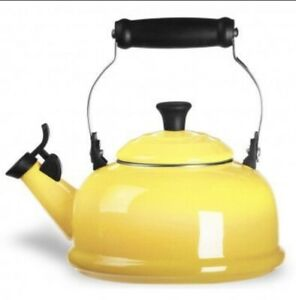 NIB BEAUTIFUL LE CREUSET SOLEIL YELLOW WHISTLING TEA KETTLE 1.7 QT ENAMEL STEEL