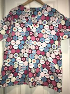 Scrub Studio Women's Scrub Top White with Geometric Pattern Size 1X C24