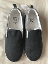 Brand New GAP Boys Slip On Shoes Size 2 Older