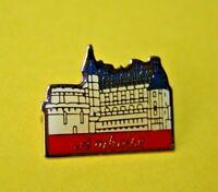 pin's lapel pin pins TOURISME CHÂTEAU DE LA LOIRE CASTLE VILLE D' AMBOISE 41