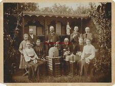 KAB-Foto Imker aus Monschau mit Bienenstöcken u. Imkereigeräten ~1900
