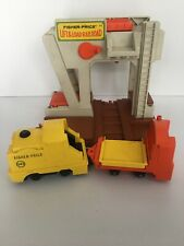 VINTAGE FISHER PRICE LIFT AND LOAD RAILROAD #943 INCOMPLETE