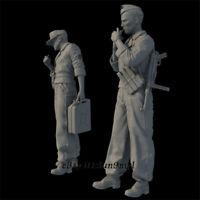 1/35 WWII Smoking soldiers Resin Kits Unpainted Model Figure GK Unassembled