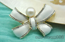 pearl Inlay zircon bowknot brooch Wow 53mm white round freshwater
