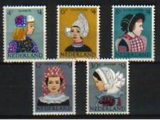Nederland Kinderzegels 1960 747-751 klederdracht- POSTFRIS cat waarde € 13,50