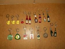 Beau lot de 18 anciens PORTE CLEFS thème ALCOOL BOISSONS - années 50/60