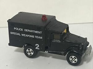 Tomica Toyota Police Weapons Truck
