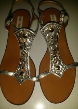 STEVE  MADDEN SILVER AND GOLD SANDALS WITH STRAPS  PREOWNED SIZE 10