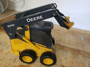 John Deere 320D Skid Steer Diecast Ertl 1/16