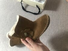 Baby Infant Kids Ugg Boots Uggs UK 4 Tan Furry Brown Flower