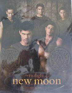 TWILIGHT NEW MOON NECA THE WOLF PACK 8 PIECE MAGNET SET MINT in PACKAGE
