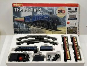 HORNBY MODEL RAILWAY R1040 THE MALLARD OO ELECTRIC TRAIN SET