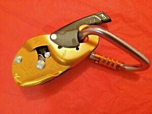 PETZL D21A Rig Descender, M36A TL Triact-Lock Carabiner & Harness Seat