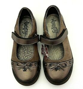 Bopy girls US 10.5 Mary Jane in bronze leather with bow star charm