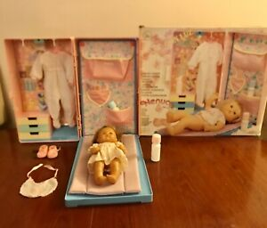 """Nenuco Doll 11"""" Bedroom In A suitcase With Accessories N Reg. Ind 3-16098 V/Rare"""