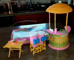 VINTAGE 1990 BARBIE HAWAIIAN FUN BEACH PARTY WITH BOX  PRE OWNED W/ ALL PIECES
