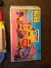 The Flintstones Kids -TOWN OF BEDROCK, PREHISTORIC PLAY TOWN, COMPLETE, +EXTRA'S