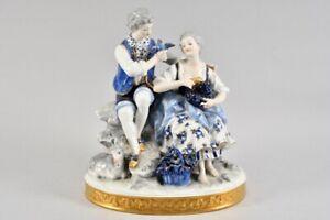 k64x04- Porzellan Figur Galantes Paar