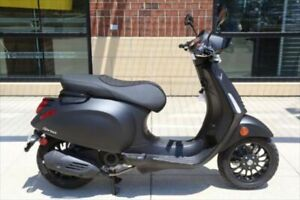 2019 Vespa Sprint 50 E4 ABS NOTTE, BLACK with 5 Miles available now!