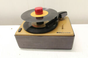 RCA Victor 45 RPM Record Player (Model 45-J-2) WORKS but read