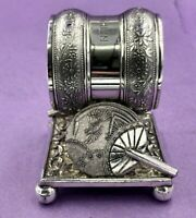 Meriden 208 silver plated American napkin ring with fans