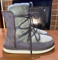 Women's UGG Lodge Boots Suede Lace Up Sheepskin Lining Green & Brown Size 5 EUC