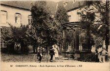 CPA  Corbigny(Niévre) - Ecole Supérieure, la Cour d'Honneur  (518564)