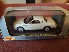 2002 WHITE Ford Thunderbird 1:43 scale by Maisto