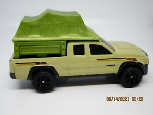 Matchbox 2016 Toyota Tacoma Die cast with Tent Brand New Fast Shipping